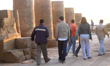 grupo-de-espaldas_diario_viajero
